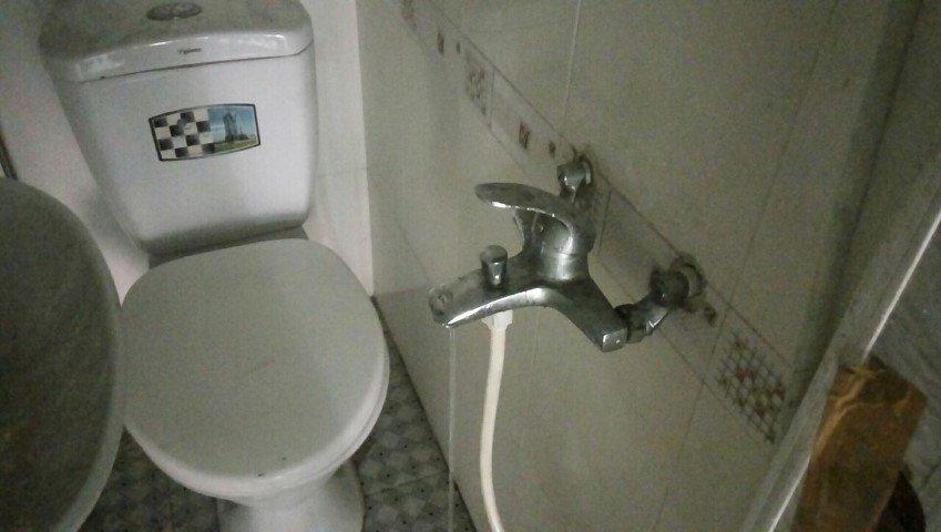 vòi nước bị rò rỉ